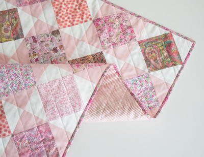 20 Simple Square in a Square Quilt Patterns | FaveQuilts com