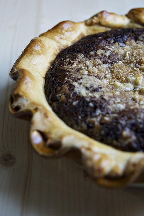 Shoo Fly Pie >> Gooey Shoo-Fly Pie | FaveSouthernRecipes.com