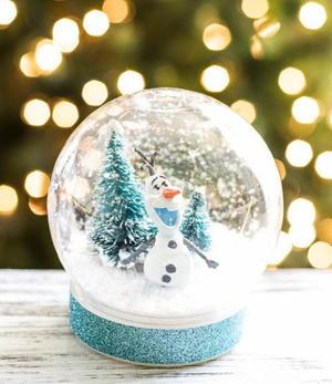 Olaf Christmas Trees.Olaf The Snowman Diy Snow Globe Allfreechristmascrafts Com