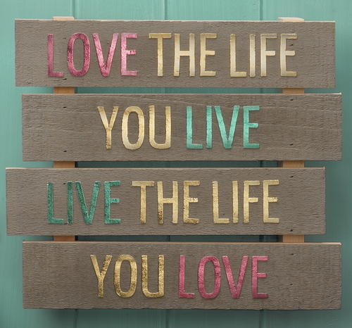 Love Life DIY Pallet Craft