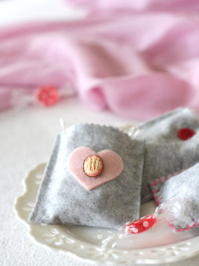 Easy Felt Valentine Treat Bags