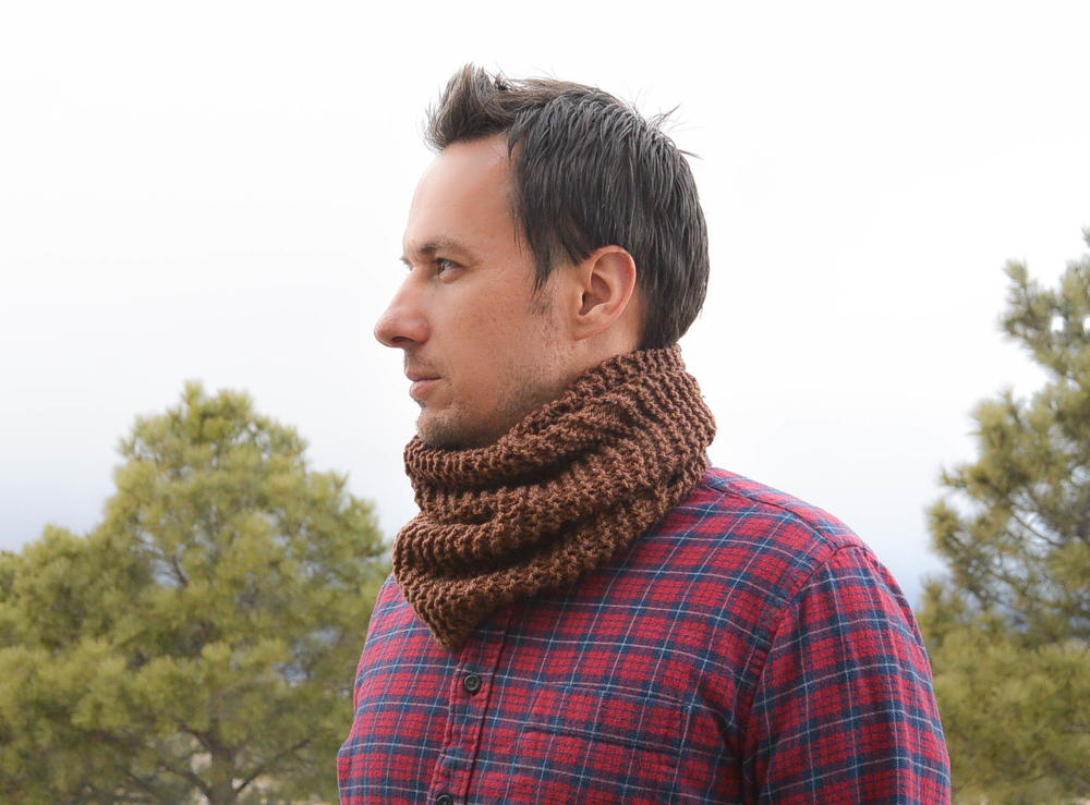 Knitting Stitches For Men s Scarves : Mens Woodsy Knit Cowl Pattern FaveCrafts.com