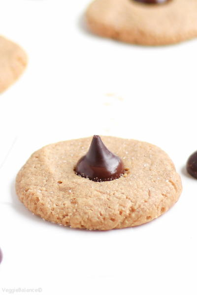 Healthy Peanut Butter Blossoms_1