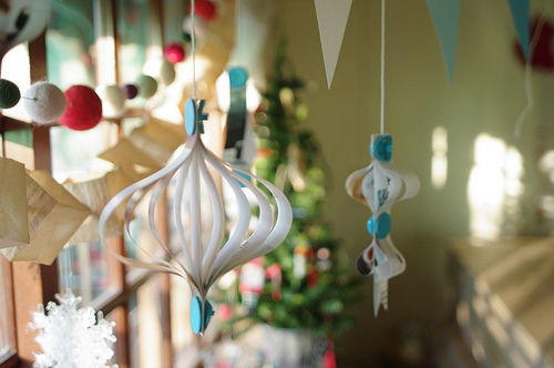 Japanese-Style DIY Christmas Ornaments