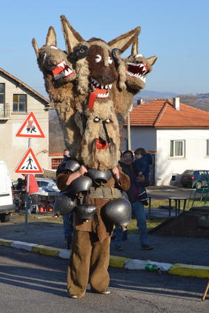 An example of mummers