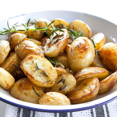 Effortless Garlic Roasted Potatoes