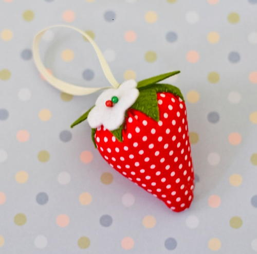 Summer Strawberry Pincushion Pattern