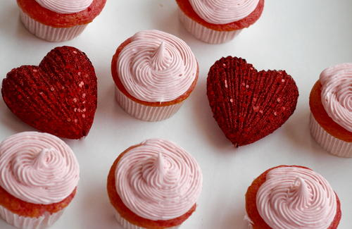 Three Ingredient Strawberry Cupcakes