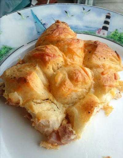 Ham and Cheese Biscuit Pull-Apart Casserole