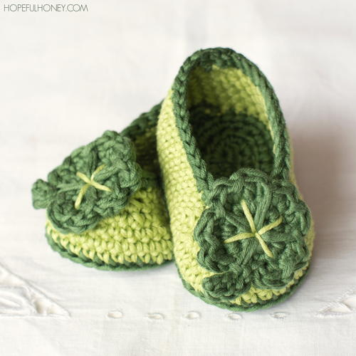 St Patrick's Day Shamrock Crochet Baby Booties _1