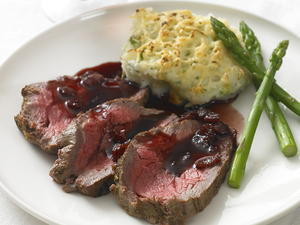 Roast Beef Tenderloin with Red Currant Jus