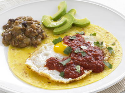 Ranch-Style Eggs with Refried Beans