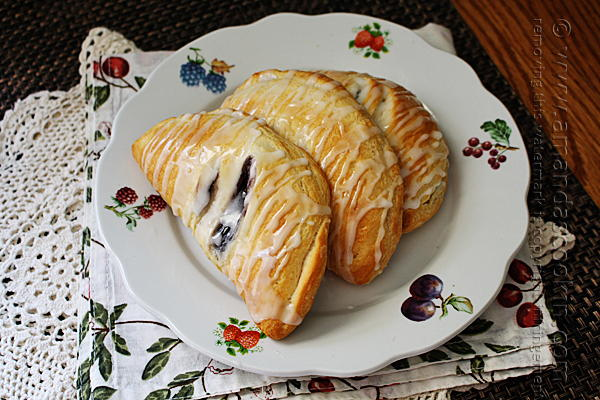 Favesouthernrecipes Com: Best Blueberry Hand Pies