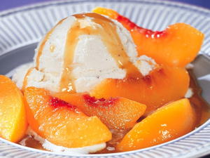 Maple-Glazed Baked Peaches
