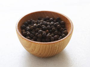 Cracked Black Peppercorn Mustard