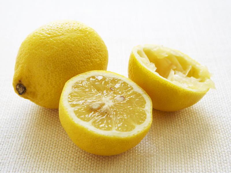 Veal Scaloppine with Lemon | Cookstr.com