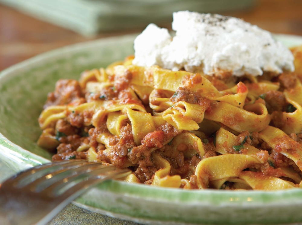 Gigi tagliatelle bolognese for Italian meals