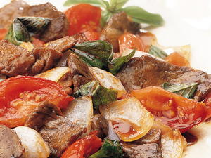 Stir-Fried Beef with Tomato and Basil