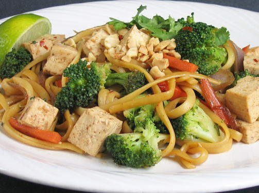 Vietnamese Noodles with Tempeh and Peanuts
