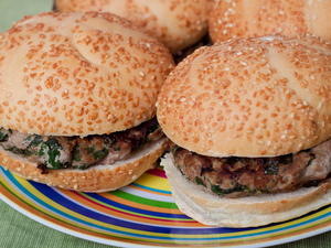 Feta-Spiked Turkey Burgers