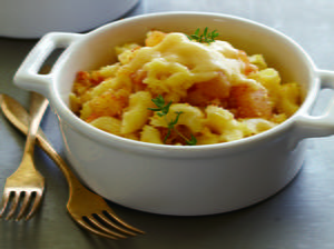 Montgomery Cheddar Macaroni with Baked Apples