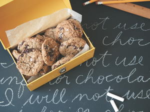 Old-School Oatmeal Chocolate Chip Cookies