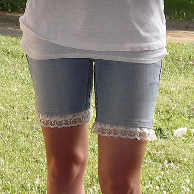 Stunning DIY Lace Shorts