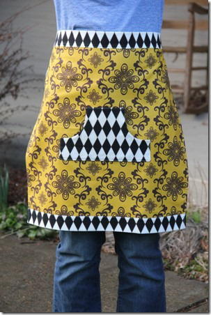 Fat Quarter Half Apron Tutorial