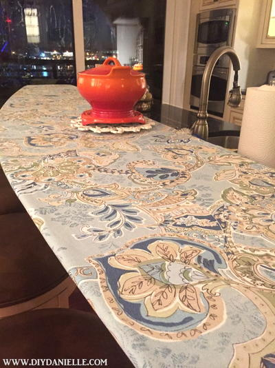 Easy Fitted Tablecloth for a Long Glass Bar