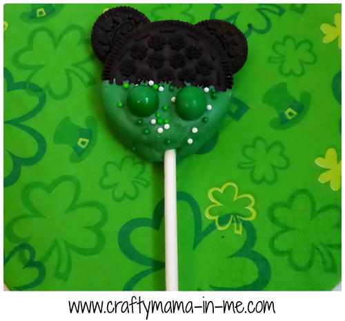 Luck of the Irish Mickey Mouse Oreo Pops