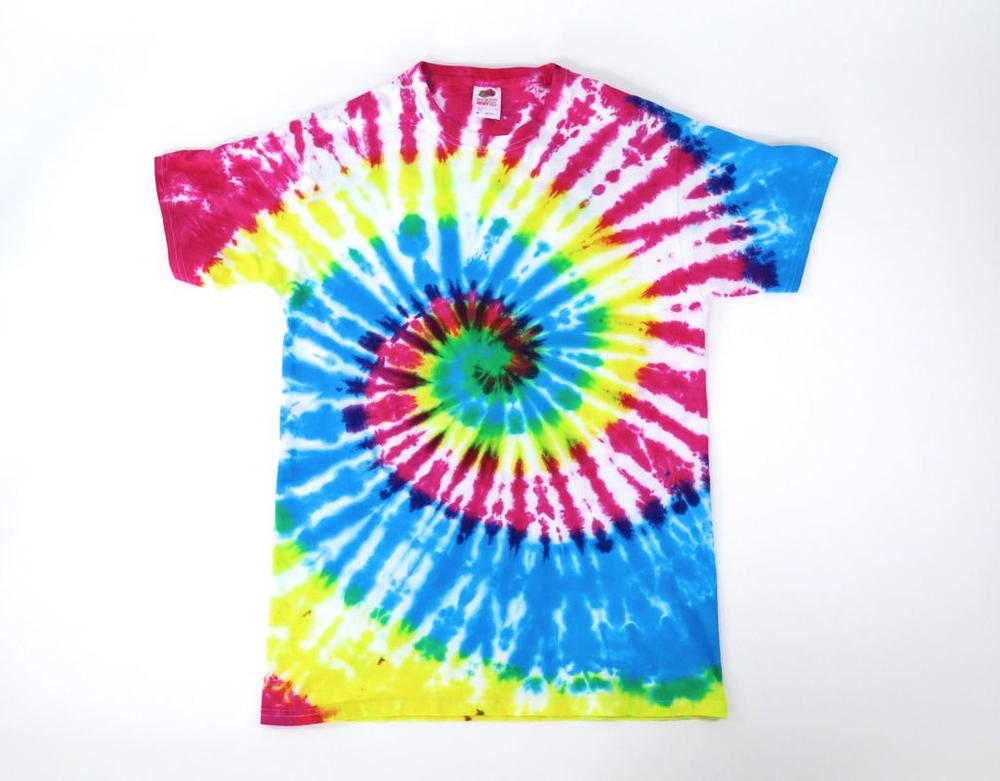 Rainbow diy tie dye t shirt for Making a tie dye shirt