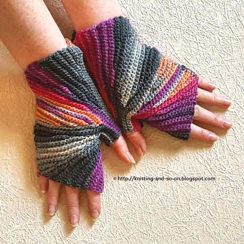 Free Crochet Pattern For Chunky Fingerless Gloves : Sparkler Fingerless Mitts AllFreeCrochet.com