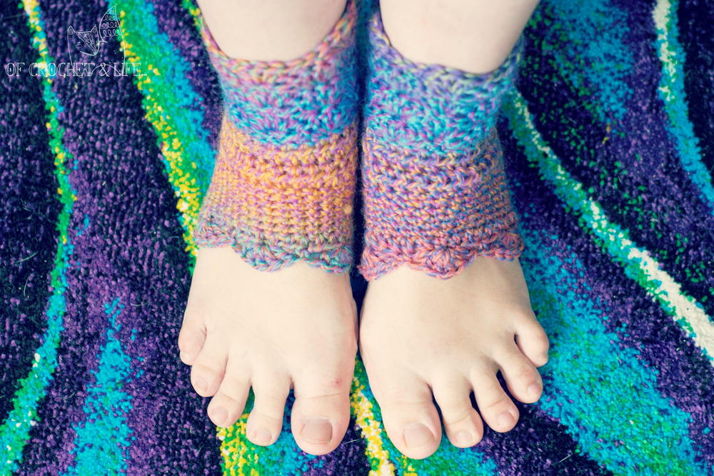 Crochet Pattern Yoga Socks : Funkilicious Yoga Socks AllFreeCrochet.com
