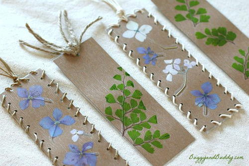 Pressed Flower DIY Bookmarks