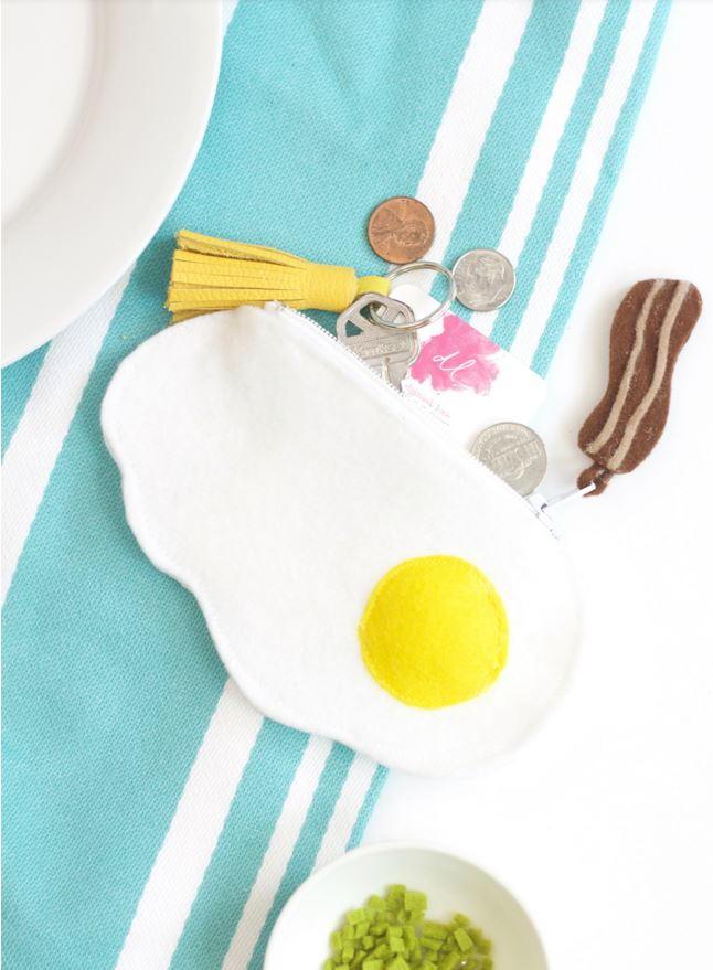 Fried Egg Zipper Pouch Tutorial