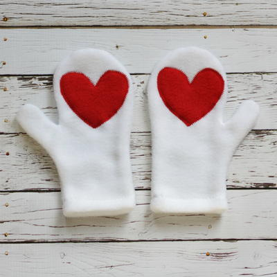 Hearts Applique Mittens Tutorial