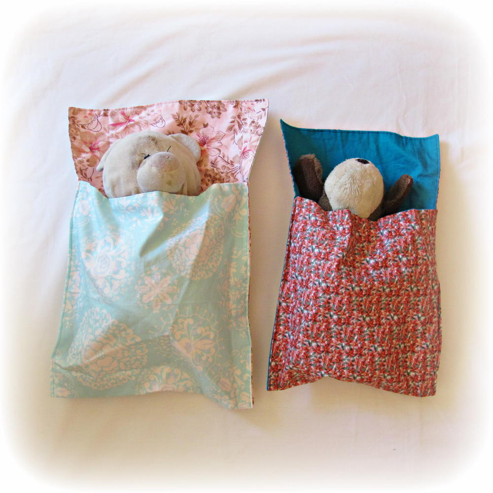 DIY Toy's Sleeping Bag