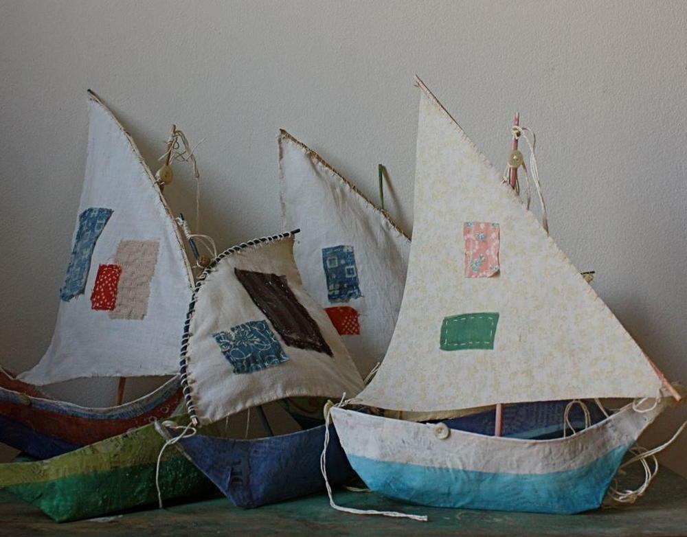 Scrappy boat papier mache crafts for Paper mache crafts