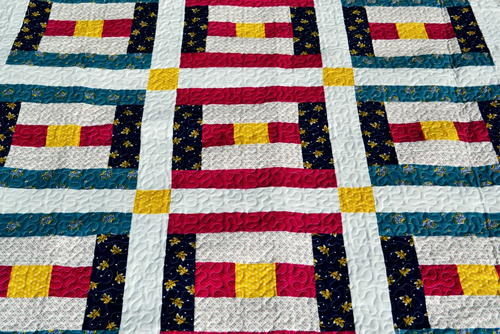 Patriotic Courthouse Steps Quilt Block