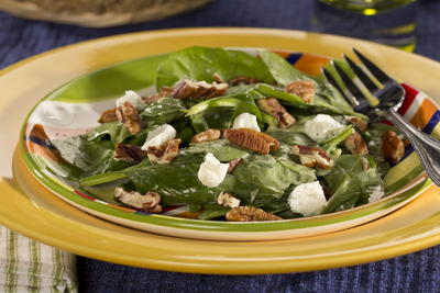 Pecan-Topped Spinach Salad