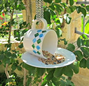 47 summer crafts for adults for Homemade garden decor crafts