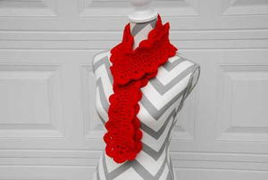 Festive Scalloped Scarf