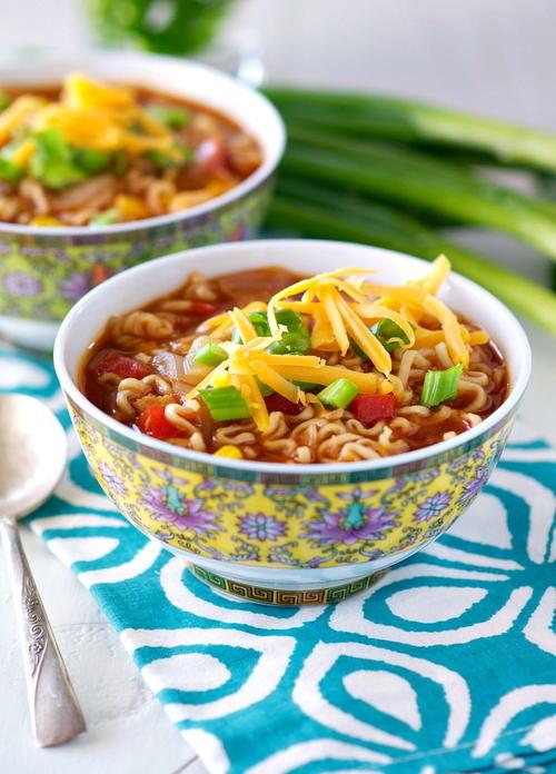 Barbecue Chicken Ramen Noodle Bowls