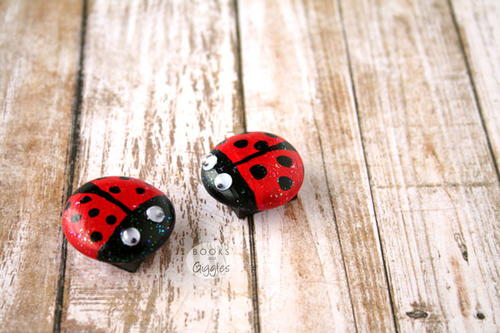 Simple Ladybug Magnets