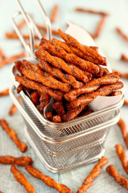 Cinnamon Sugar Pretzel Sticks