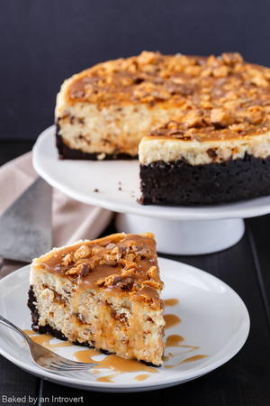 Butterfinger Cheesecake