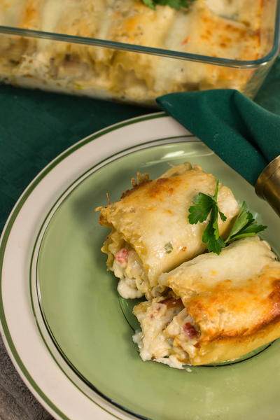 Chicken Alfredo Lasagna Roll-Ups