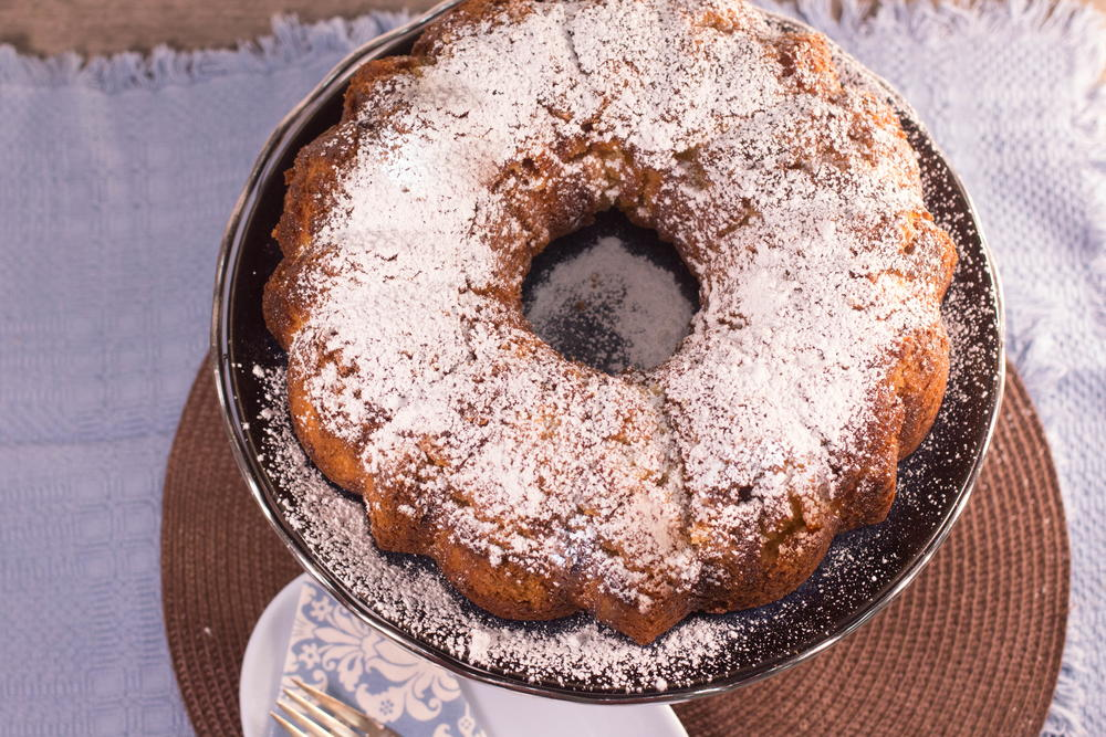 Favesouthernrecipes Com: Classic Kentucky Butter Cake Recipe