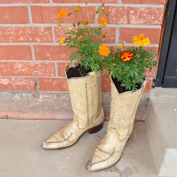 Cowboy Boot Diy Planters Allfreeholidaycrafts Com