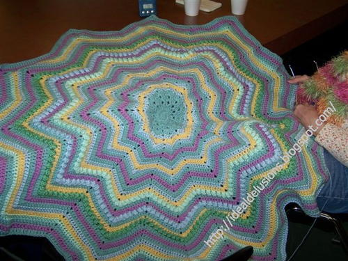 Basic Round Ripple Afghan